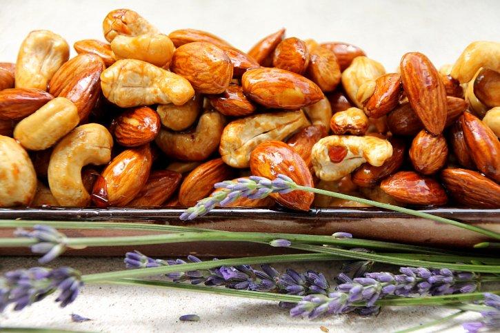 Sticky Sweet & Salty Nut Mix