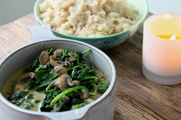 Mushroom Stroganoff with Asparagus, Spinach & Brown Rice