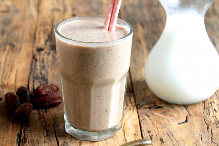 Healthy caramel protein smoothie