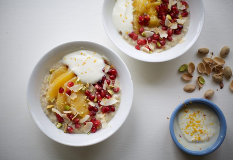 Orange, Pomegranate and pistachio protein porridge